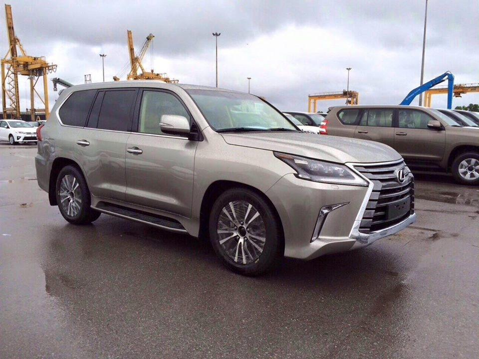 lexus cars news 2016 lexus lx 570 caught undisguised. Black Bedroom Furniture Sets. Home Design Ideas