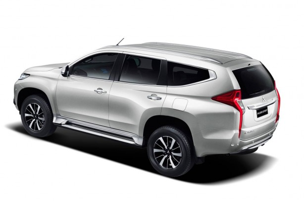 2016 Mitsubishi Challenger rear quarter