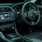 jaguar-xe-prestige-interior