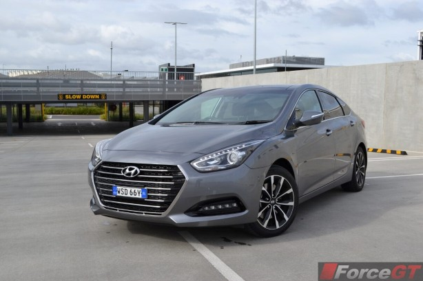 2015-hyundai-i40-sedan-front-quarter2