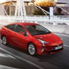 2016-toyota-prius-front-runner