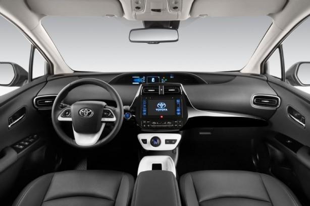 2016-toyota-prius-interior