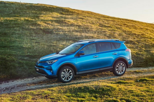2016-toyota-rav4-facelift-side
