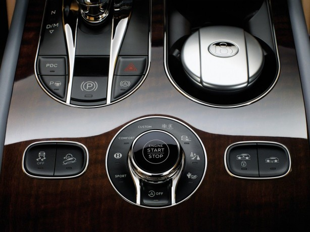 Bentley Bentayga Multi Terrain dial