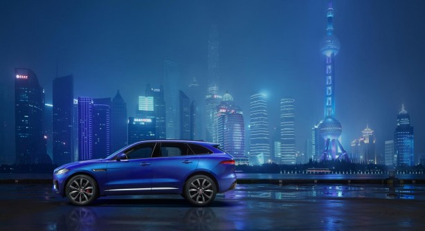 Jaguar F-PACE side
