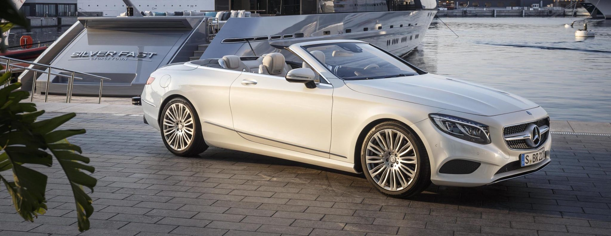 Mercedes benz s class cabriolet goes official for Mercedes benz g cabriolet