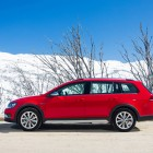 Volkswagen Golf Alltrack side