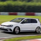 Volkswagen Golf GTI Clubsport front quarter-3