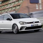 Volkswagen Golf GTI Clubsport front quarter-4