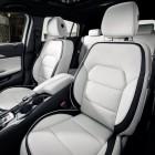 infiniti-q30-front-seats