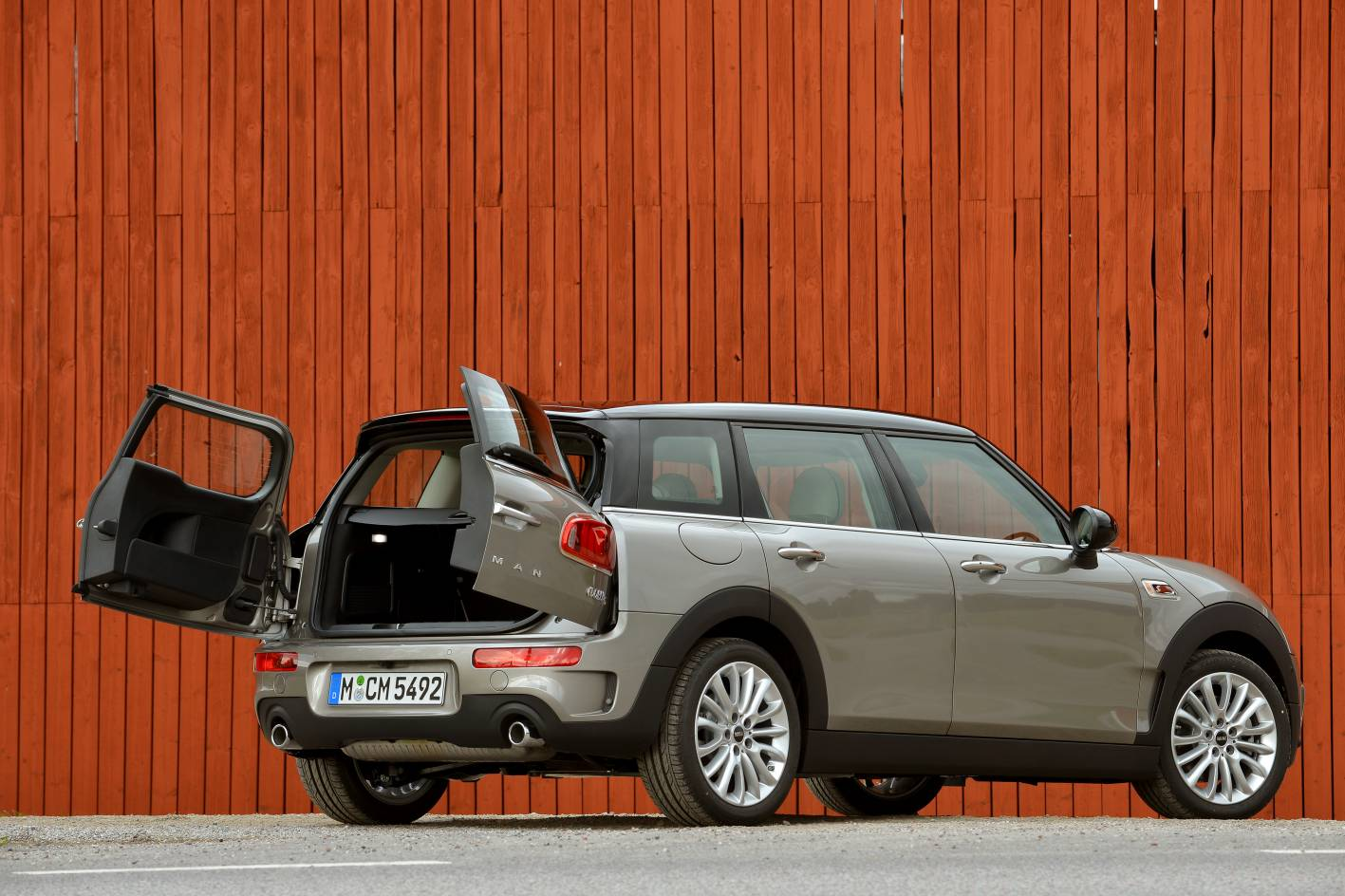 mini cars news 2015 cooper clubman pricing and specification. Black Bedroom Furniture Sets. Home Design Ideas