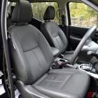 2015 Nissan NP300 Navara front seats