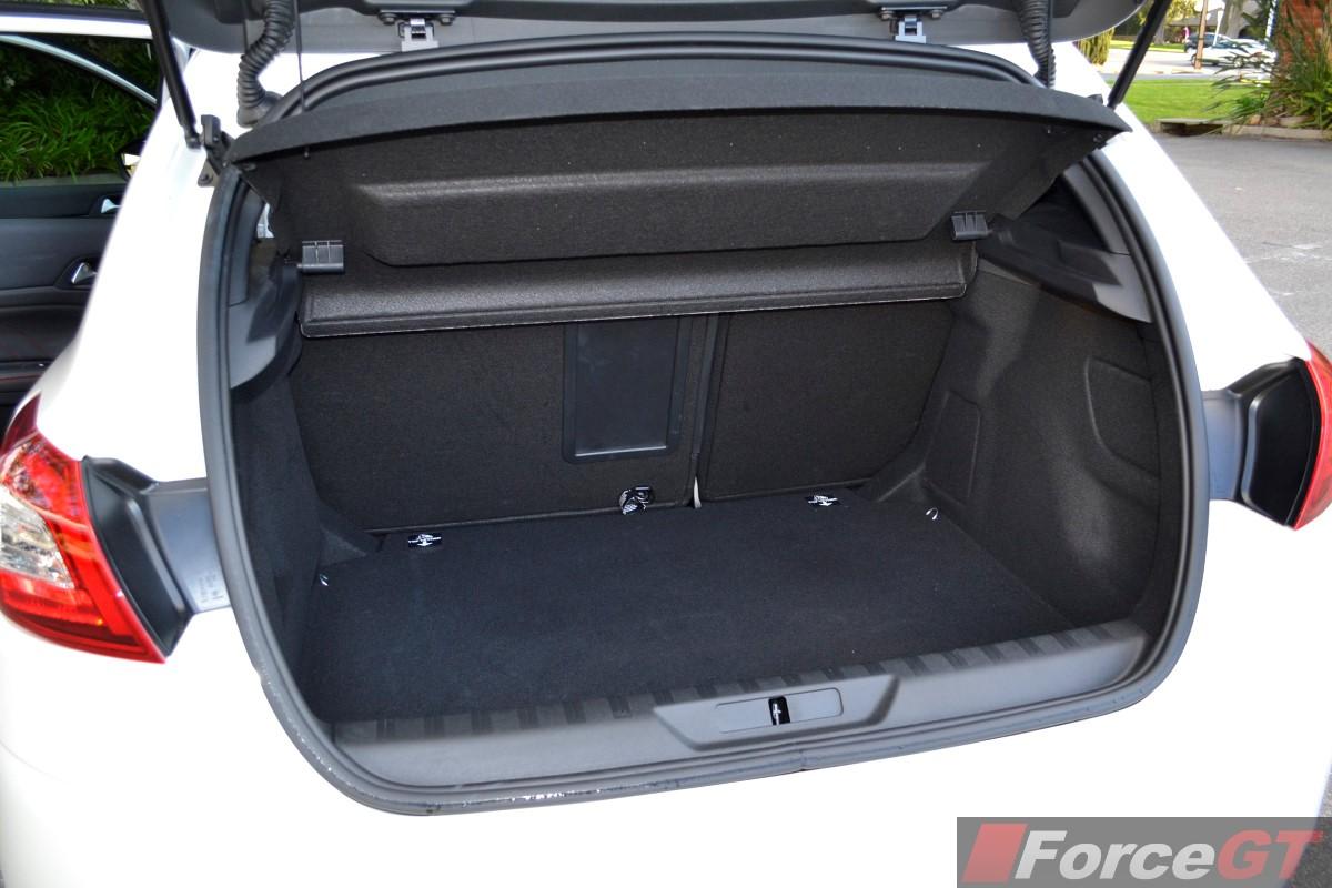 Peugeot 308 Review: 2015 Peugeot 308 GT Diesel