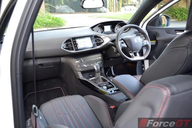 2015 Peugeot 308 GT dashboard