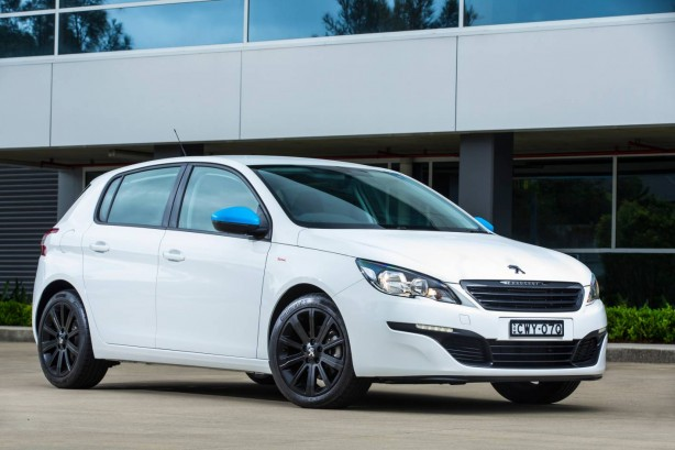 2015 Peugeot Total Package 308 front quarter
