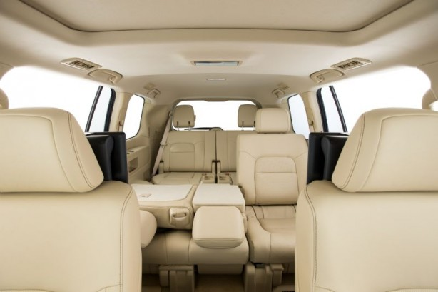 2015 Toyota Landcruiser 200 Series seats