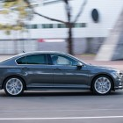 2016 Volkswagen Passat Highline side