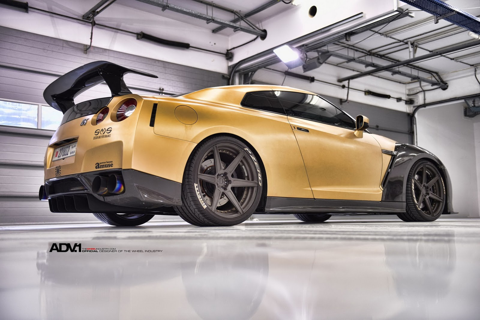 Nissan Tuning: Stunning ADV1 Carbon & Gold Nissan GT-R