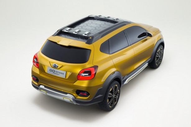 Datsun GO-cross Concept rear quarter-1