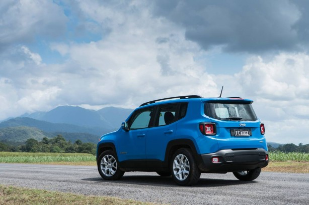jeep-renegade-rear-quarter