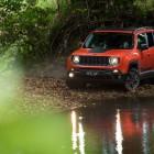 jeep-renegade-trailhawk-front-quarter