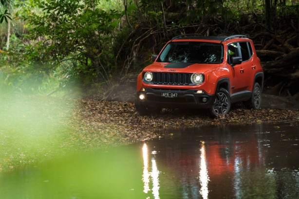 jeep-renegade-trailhawk-front-quarter