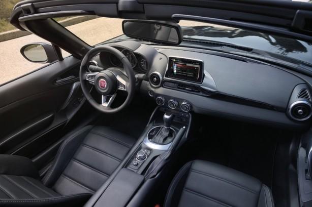 2016 Fiat 124 Spider interior-2