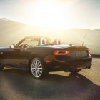 2016-Fiat-124-Spider-rear-quarter