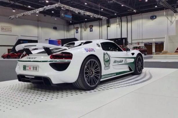 Porsche 918 Spyder Dubai Police rear quarter