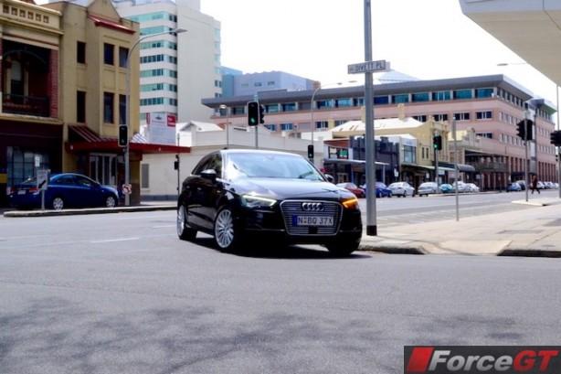 2015 Audi A3 e-tron Sportback front-1