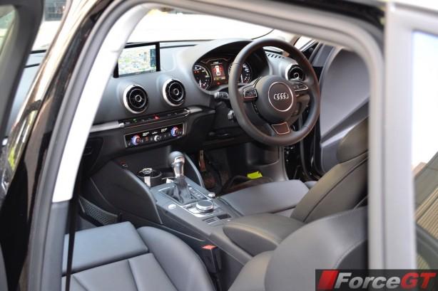 2015 Audi A3 e-tron Sportback interior