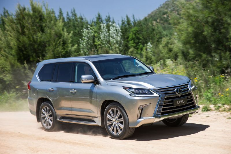 lexus introduces significantly updated 2015 lx 570 flagship. Black Bedroom Furniture Sets. Home Design Ideas