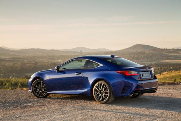 2015 Lexus RC 200t rear quarter