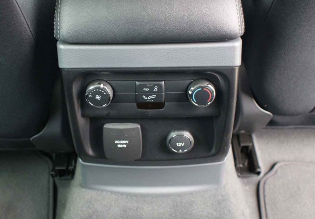 Ford Everest 2015 Rear climate control and 240v inverter