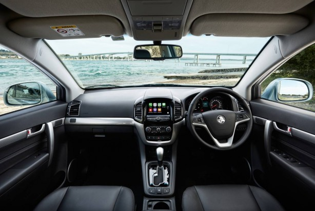 2016 Holden Captiva interior