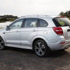 2016-Holden-Captiva-rear-quarter