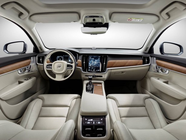 2016 Volvo S90 sedan interior
