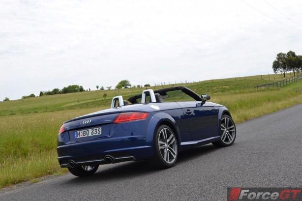 2016-audi-tt-roadster-rear-angle