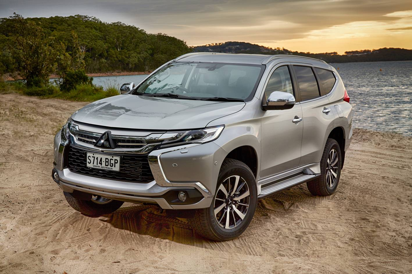 mitsubishi cars news all new pajero sport launched from. Black Bedroom Furniture Sets. Home Design Ideas