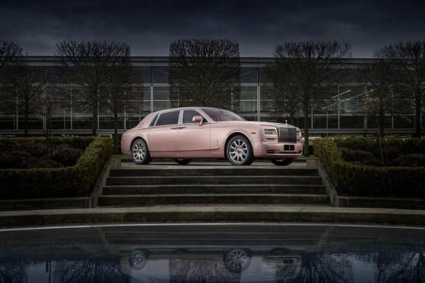 Rolls-Royce Sunrise Phantom Extended Wheelbase front quarter