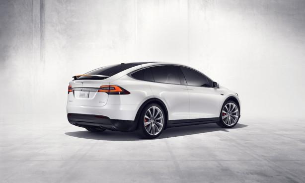 Tesla-Model-X-rear-quarter