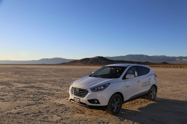 hyundai-ix35-fuel-cell-salt-flats