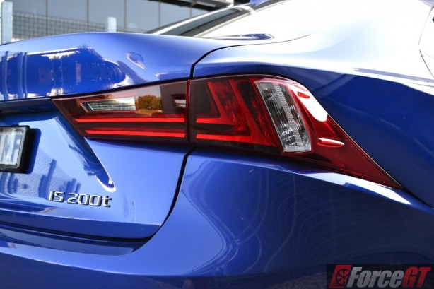 2016-lexus-is-200t-f-sport-taillight