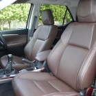 2016-toyota-fortuner-front-seats