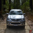 2016-toyota-fortuner-offroad
