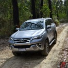 2016-toyota-fortuner-offroad2