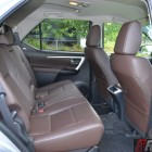 2016-toyota-fortuner-second-row-seat