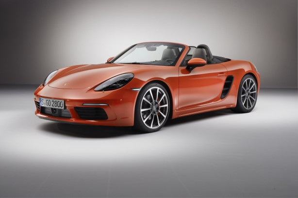 2016_Porsche_718_Boxster_S_front_three_quarter
