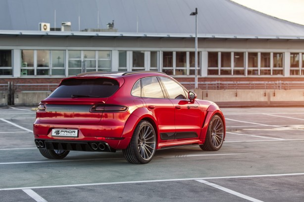 Porsche-Macan-Prior-Design-bodykit-rear-quarter2