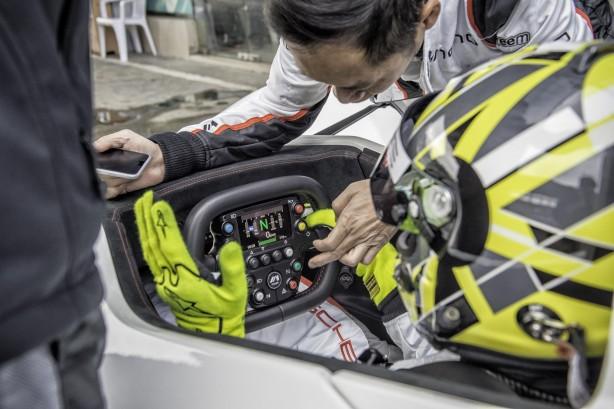 2016-bac-mono-steering-wheel